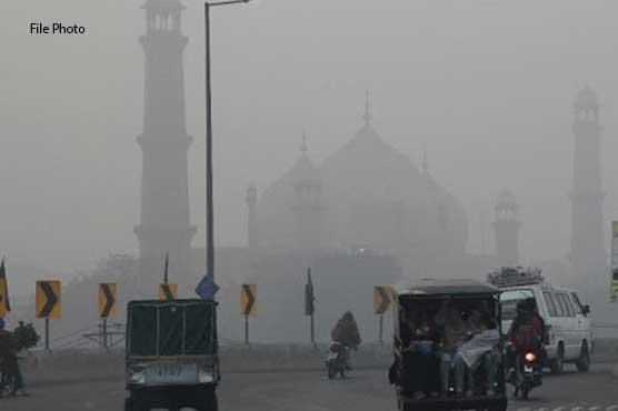 موسم بدلتے ہی لاہور شہر میں سموگ بھی بڑھنے لگی