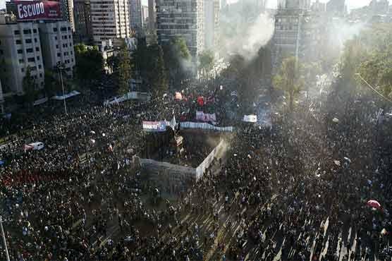 چلی میں حکومت مخالف مظاہروں کا سلسلہ جاری، جھڑپوں میں متعدد افراد زخمی