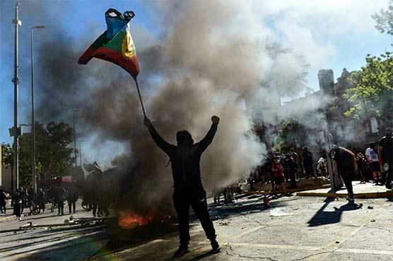 چلی میں پر تشدد مظاہروں میں 2 افراد ہلاک، 60 زخمی، 450 گرفتار