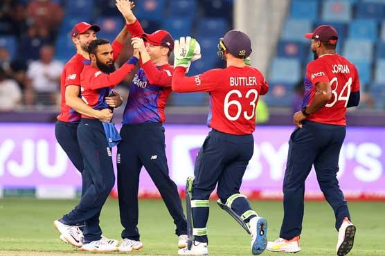 ٹی ٹونٹی ورلڈکپ: انگلینڈ نے دفاعی چیمپئن ویسٹ انڈیز کو 6 وکٹوں سے ہرا دیا
