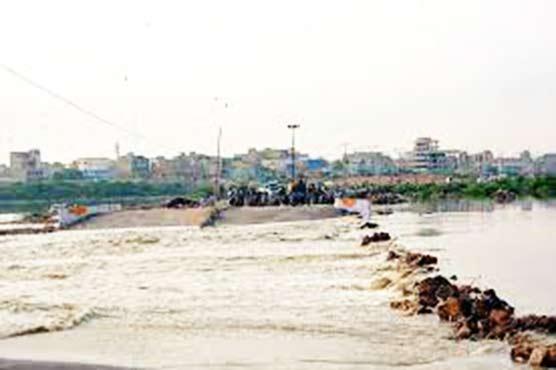 Torrential rains: Korangi Causeway, Crossing Road closed for traffic
