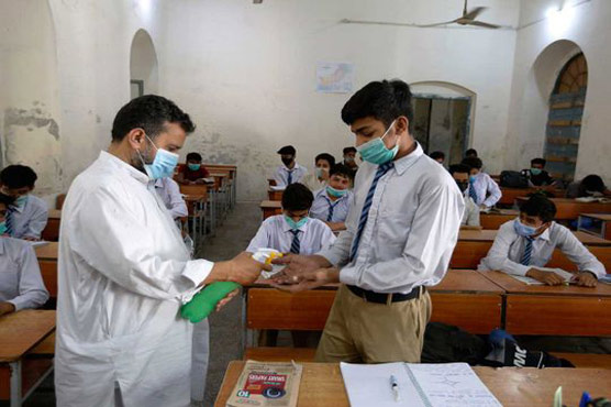 Sindh bans entry of unvaccinated students over 17 years of age in educational institutions