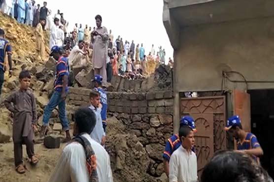 Four killed as heavy rain lashes Karachi