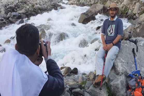 سوات کی 'مشروم' جھیل کی خوبصورتی، دیکھنے والے دنگ رہ جائیں