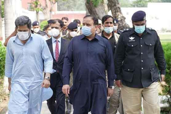 وزیراعلیٰ پنجاب کے سمبڑیال، سیالکوٹ کے اچانک دورے، 15 بڑے آفیسرز کو معطل کردیا