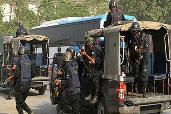 کراچی میں مبینہ پولیس مقابلوں کے دوران 4 ڈاکو زخمی حالت میں گرفتار