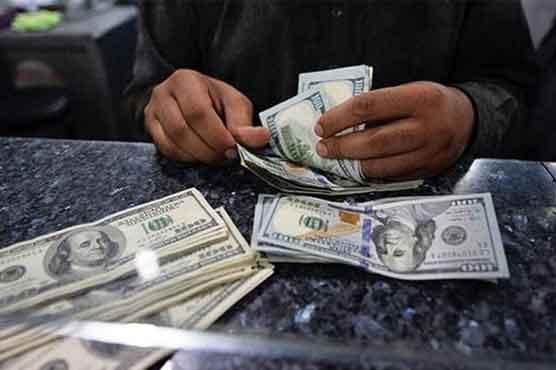 ایک مرتبہ پھر ڈالر کی قدر میں اضافہ ہونے لگا، سٹاک مارکیٹ میں بھی مندی