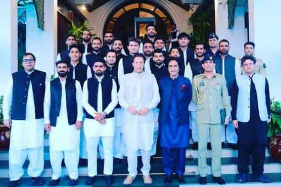 PM gives tips to cricket team, calls for aggressive posturing