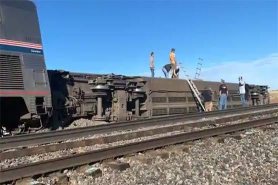 امریکا میں ٹرین پٹڑی سے اتر گئی، 3 افراد ہلاک، 50 زخمی
