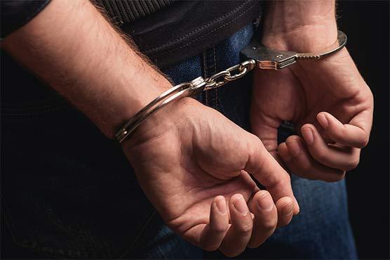 کراچی میں رینجرز اور پولیس کی مشترکہ کارروائی، انتہائی مطلوب ملزم عابد عرف کاکاجی گرفتار