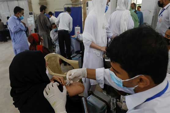 Pakistan's daily COVID-19 case count less than 1,500 for first time in two months